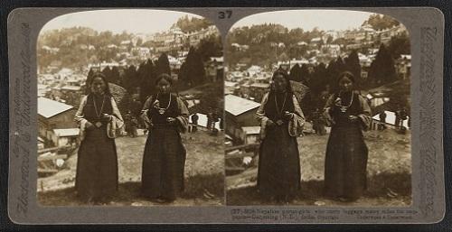Stereoscopic Nepalese porter girls, Darjeeling