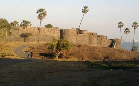 Madh Island Fort